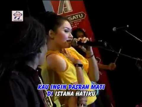Ratna Antika feat Sodiq - Antara Senyum Dan Perang (Official Music Video)