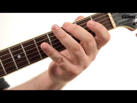 Essentials guitar lesson: Major pentatonic indie lick (TG247)