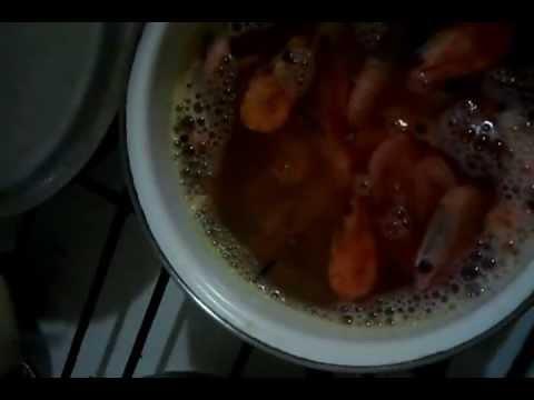 Как правильно варить креветки.