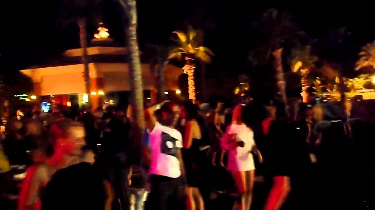 atlantis pool party - YouTube
