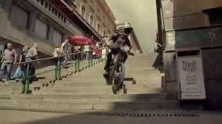 Парни на велосипедах делают приколы и трюки.Смотрим подборка