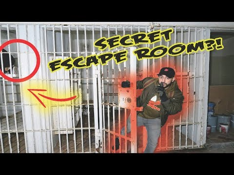 (GHOST FARTS?!) EXPLORING MOST HAUNTED PRISON OF TENNESSEE!