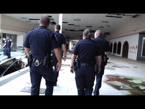DEAD MALL SERIES : Rolling Acres Mall : BUSTED BY AKRON POLICE!!