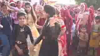 Foji Chuti Aayo Marige Dance