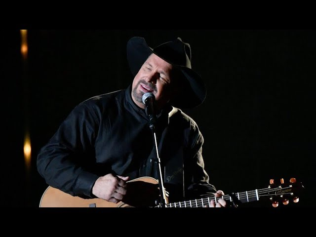 Garth Brooks Stronger Than Me Was a CMA Tear-Jerker