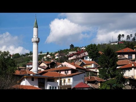 (AA) Урнатите џамии во Босна и Херцеговина се издигаат од пепелта