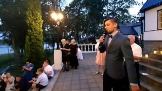 """Publikos """"AČIŪ"""" skanduotė vestuvių ir kitų renginių vedėjui (TV aktoriui) Justinui Daugėlai"""