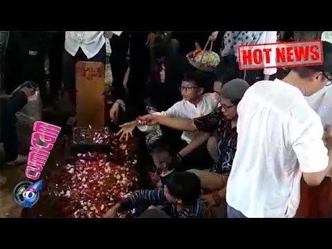Hot News! Suasana Mengharukan di Pemakaman Titi Qadarsih - Cumicam 23 Oktober 2018