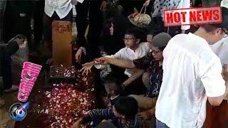 Download Video Hot News! Suasana Mengharukan di Pemakaman Titi Qadarsih - Cumicam 23 Oktober 2018 MP3 3GP MP4