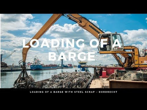 Loading of a barge with steel scrap - Dordrecht
