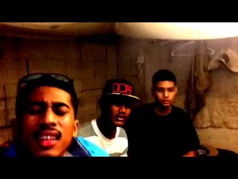 Micronesian lip singer's......