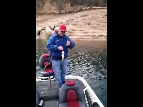 Millerton lake bass fishing with bassman559 youtube for Millerton lake fishing