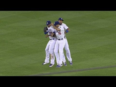 MIL@LAD: League picks up the save in 7-5 win