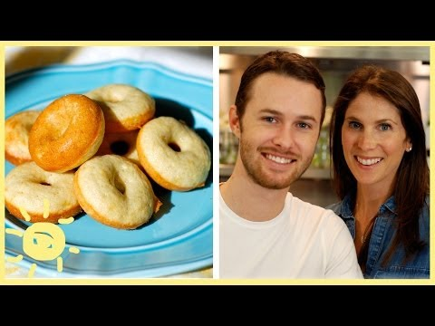 EAT | BAKED BANANA DONUTS