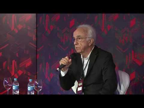 Prof. Falconi no fórum A Revolução do Novo