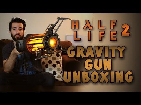 Half Life 2 Gravity Gun Unboxing!
