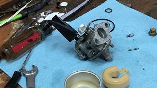 How a Small Engine Carburetor Works (Float Type)