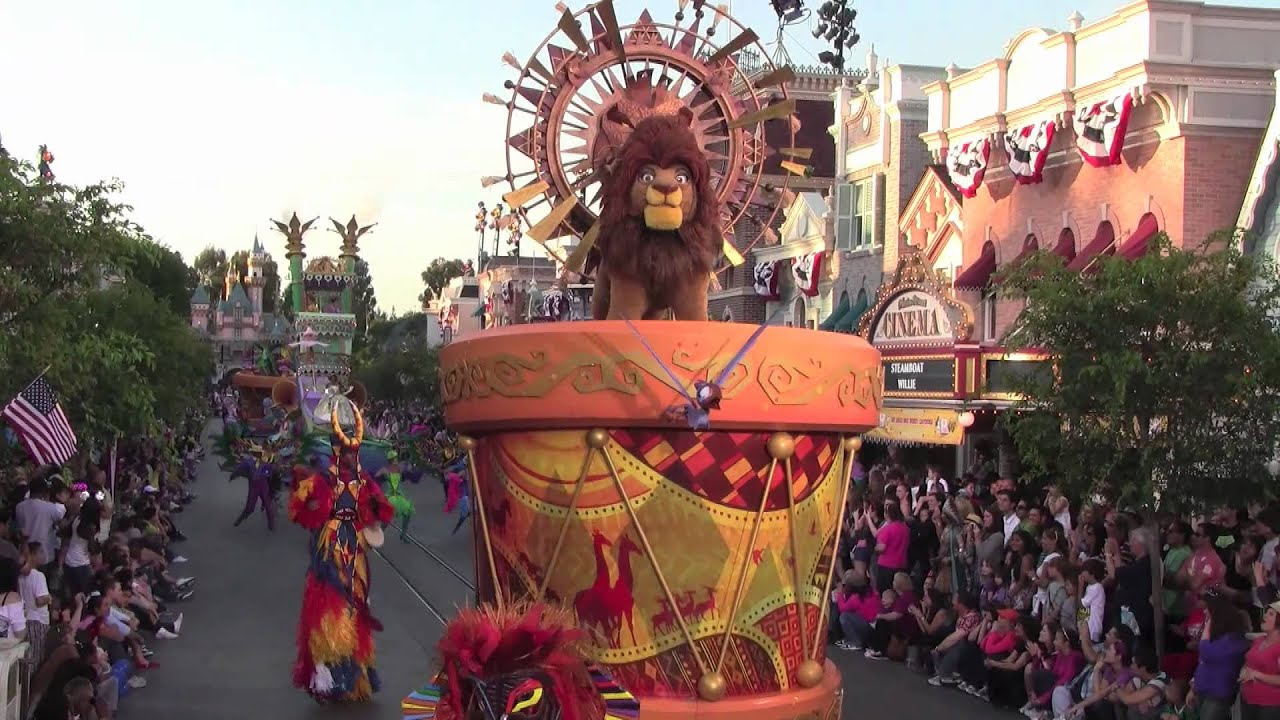 Mickey's Soundsational Parade at Disneyland Park featuring ...