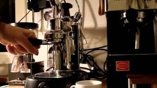 Espresso mit der Pavoni Professional!