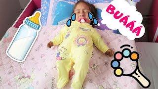 Maria Clara volta a ser bebê | Maria Clara pretend to play baby - MC Divertida