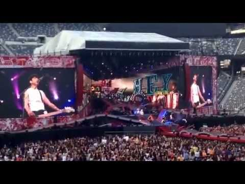 ONE DIRECTION CONCERT! Metlife stadium - YouTube
