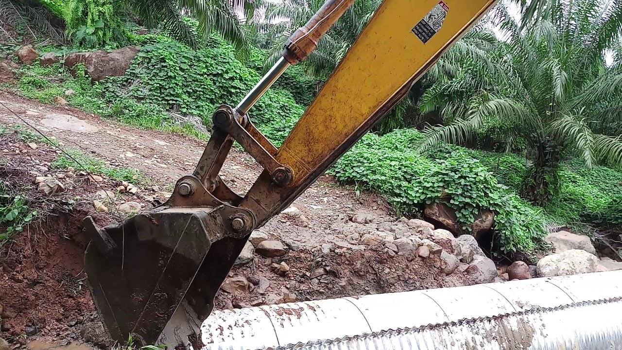 Pemasangan Gorong-gorong Rangka Baja 1 - YouTube