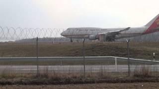 Aviões  Decolando do Aeroporto de Luxembourg Findel.