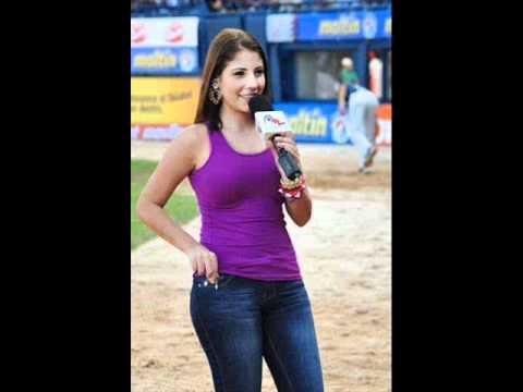 Adriana D`Onghia - Meridiano Televisión (Canción dedicada) - YouTube