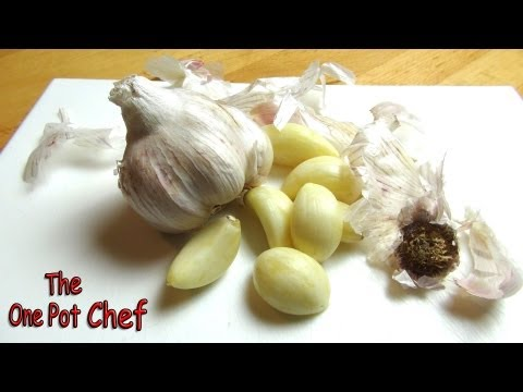 Quick Tips: Peeling Garlic in Seconds | One Pot Chef