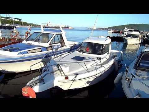 Морская рыбалка в Уссурийском заливе (Владивосток): полный аквариум рыбы (камбала, минтай).