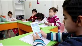 أخبار حصرية   السوريون في بلدان اللجوء.. تعليم الأطفال بالتقنيات الحديثة