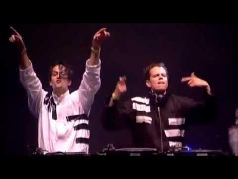 Alpha Twins - Smack My Derb Live Qlimax 2005