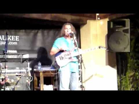 Antonio reguera y agustina en la sala milwaukee 1 2 youtube for Sala milwaukee