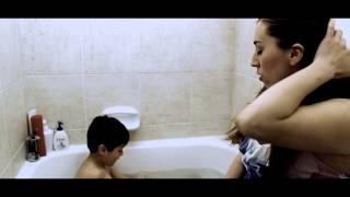 Repeat youtube video La Madre, El Hijo, Y El Otro