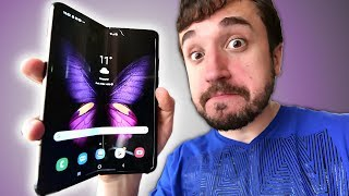 THE FOLDING SMARTPHONE! - Galaxy Fold (Unboxing)