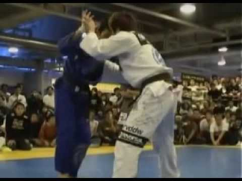 Arm broken with armbar in jujitsu - Shinya Aoki vs Hironaka
