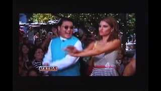 "Psy Live FLASHMOB Gangnam Style on ""Extra"" 싸이 미국 TV  '엑스트라' 출연 강남스타일"