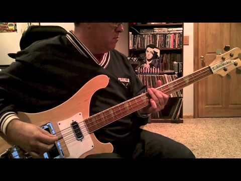 Paul McCartney: Silly Love Songs (Bass Cover)