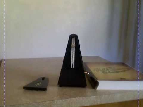 how to work a metronome