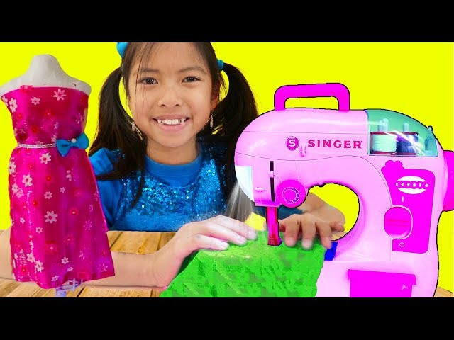 Wendy Pretend Play w/ Sewing Machine Toy