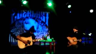 Everlast - Broken (Unplugged in Budapest 12.12.05)