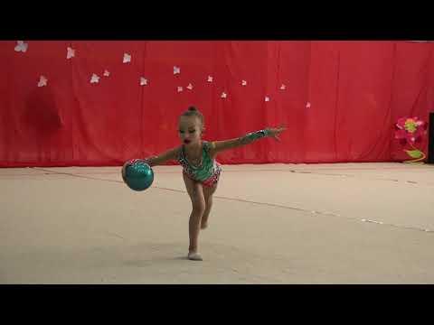 Обламская Вика 2013 мяч