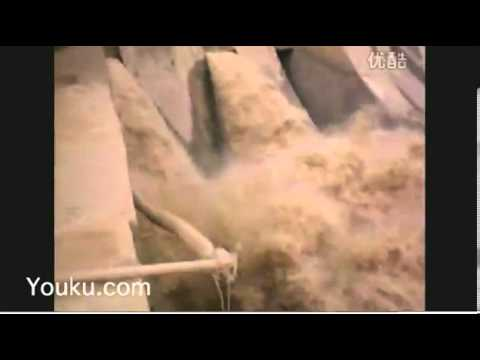 Spectacular scenes as millions of tonnes of silt flushed through dam in China