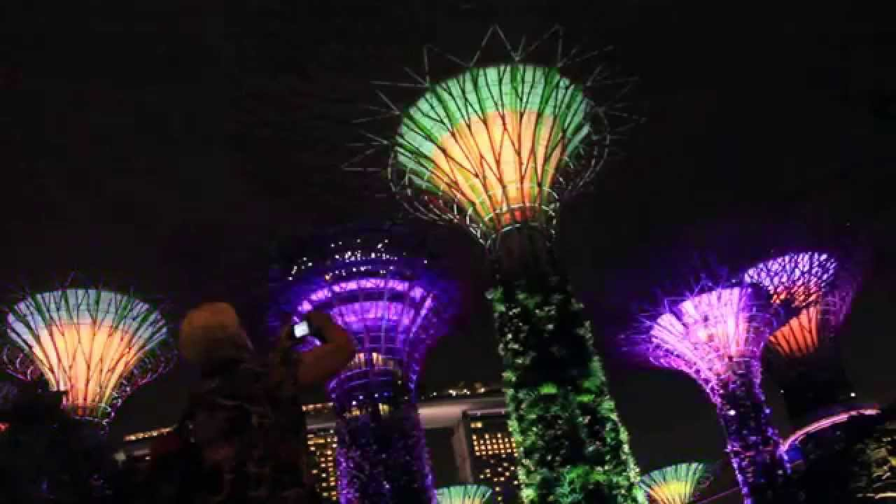 gardens by the bay christmas rhapsody 2k14 youtube