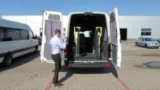 Volkswagen Crafter dotat cu lift pentru persoane cu dizabilitati - folosire