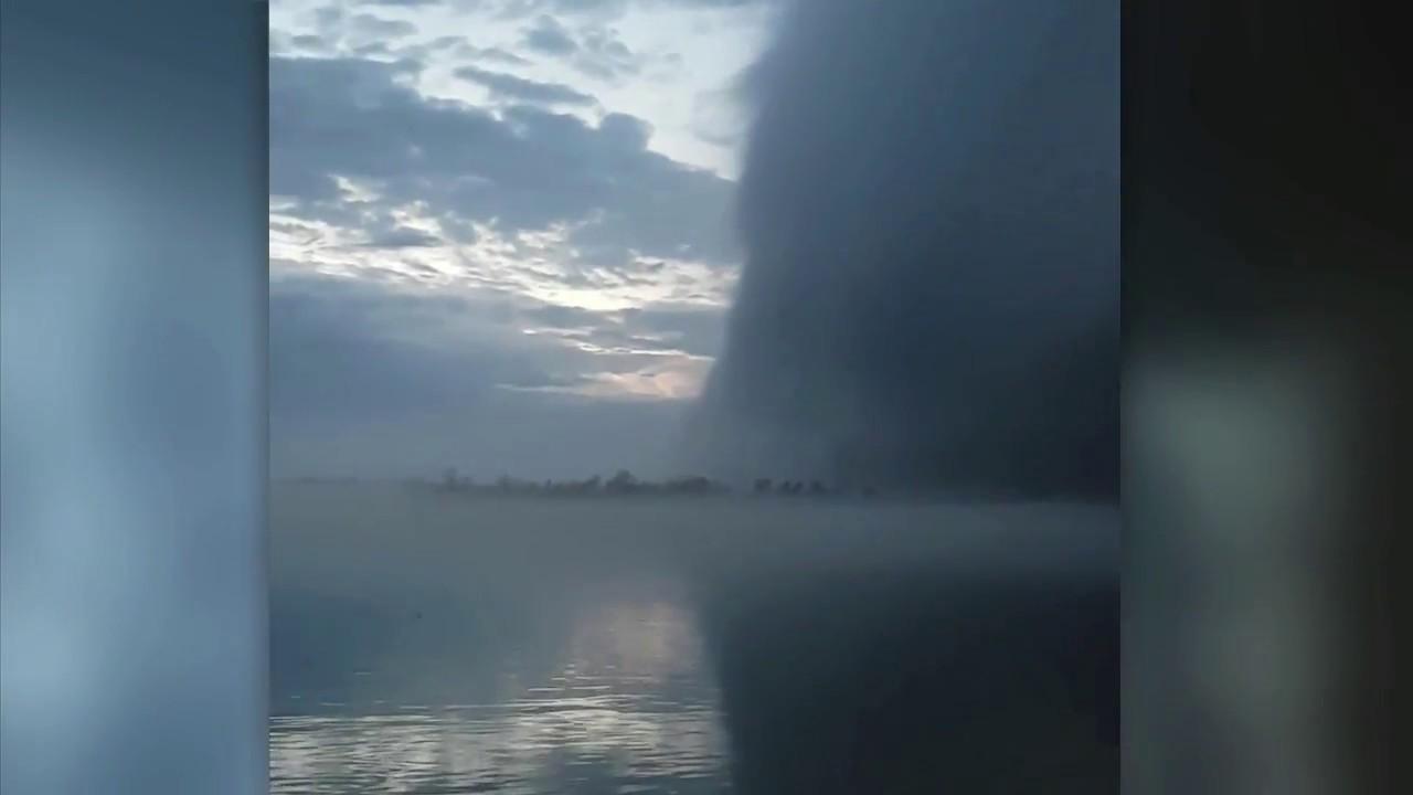 menacing-wall-cloud-makes-its-way-across-detroit-river-see-it