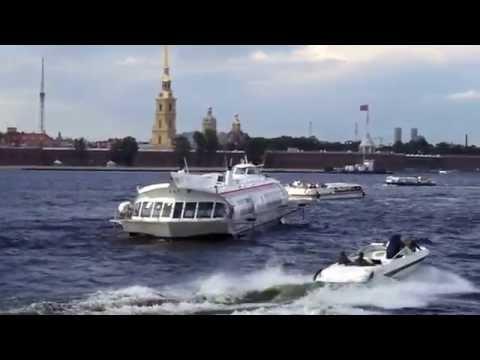 Travel Russia, walk in St. Petersburg, Neva River, spaciousness.
