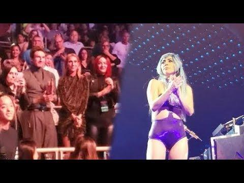 Lady Gaga praises Céline Dion during her show in Las Vegas Mp3