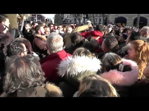 Agression pendant les obsèques de Johnny Hallyday