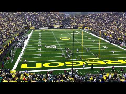 OREGON DUCKS - DARRON THOMAS TO MALACHI LEWIS TD